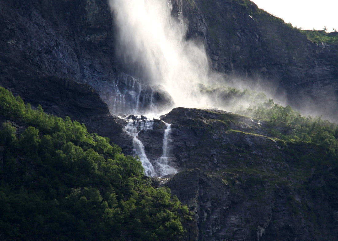Kjelfossen in Morning Light